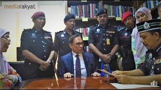 Download Video Dato' Seri Anwar Ibrahim Dianggap Sebagai Seorang Yang Tidak Pernah Melakukan Apa-Apa Kesalahan MP3 3GP MP4
