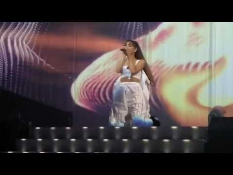 ARIANA GRANDE FINALLY HIT A Bb5 IN DW TOUR!!!