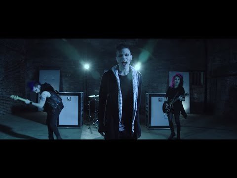 "Echo Black - ""Perfect"" (ft. Telle Smith of The Word Alive) [Official Music Video]"