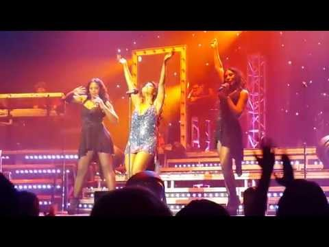 Toni Braxton Major Wardrobe Malfunction- Full Video