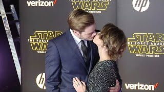 "Sarah Hyland & Dominic Sherwood ""Star Wars The Force Awakens"" World Premiere"
