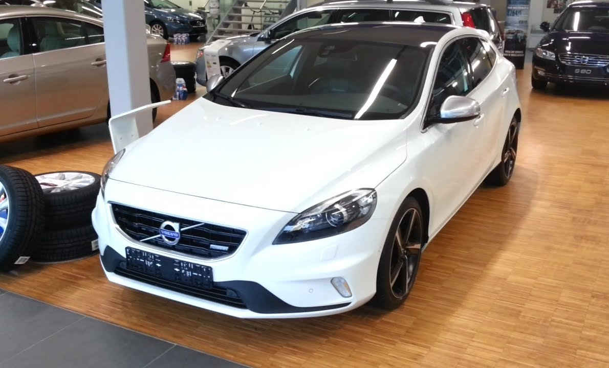 volvo v40 r design 2015 in depth review interior exterior. Black Bedroom Furniture Sets. Home Design Ideas