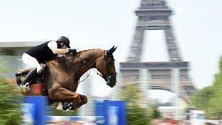 Звёзды конного спорта выступили на фоне Эйфелевой башни