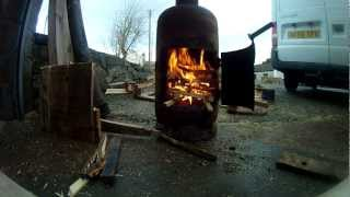 Pot Belly Gas Bottle Woodburner - Making A Fire