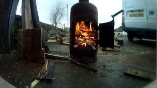 Pot Belly Gas Bottle Woodburner - Making A Fire