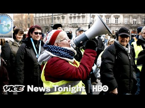 "Hungary's ""Slave Law"" & Zimbabwe Protests: VICE News Tonight Full Episode (HBO)"