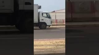 بالفيديو.. القبض على سائقٍ متهور سار عكس الطريق في #جازان