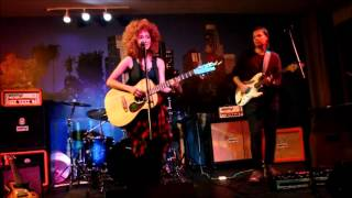 Andy Allo - Hooked - Live Online