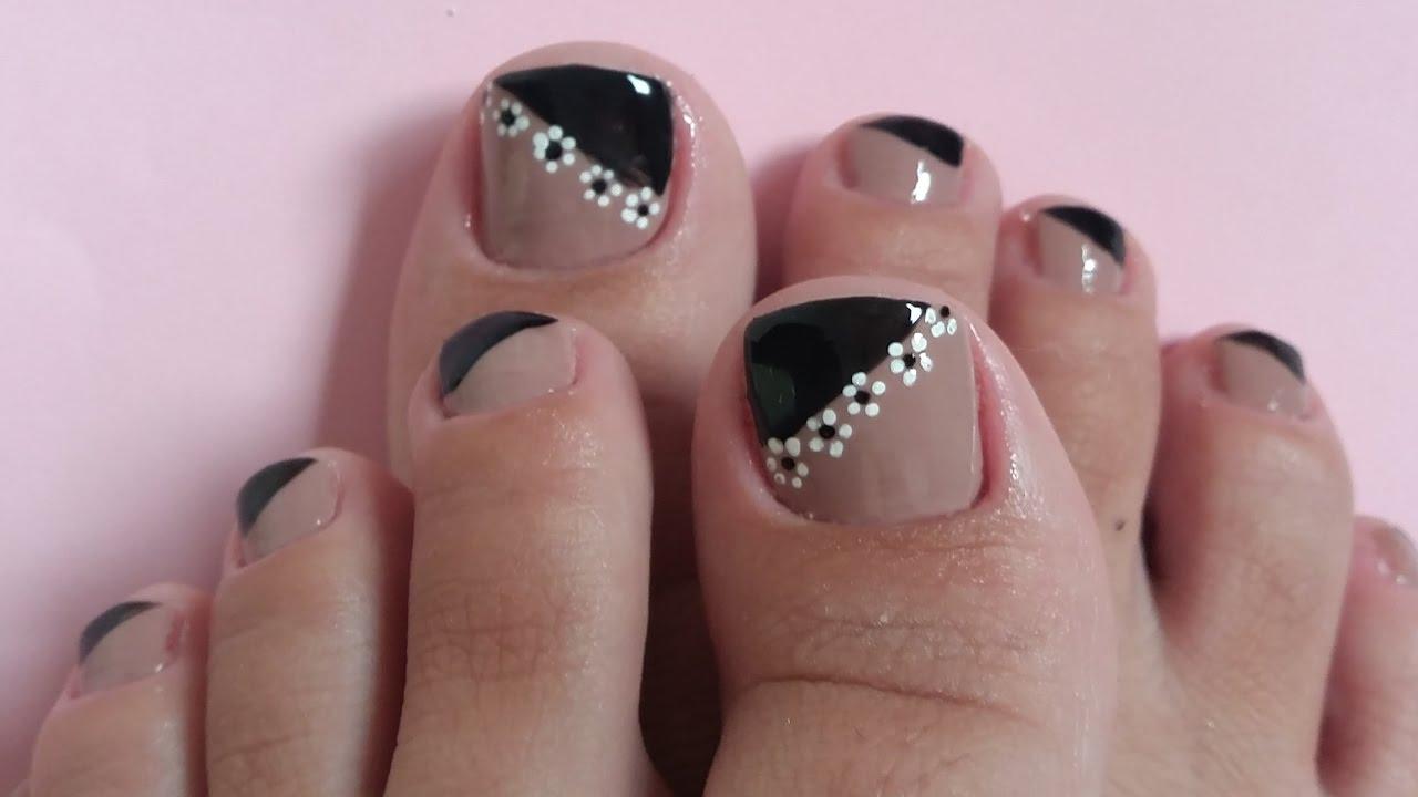 unhas decoradas Para pés preto e rosas