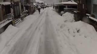 鳥取県の朝の雪景色の様子です。まさに「白銀」の朝です。冬用専用タイ...