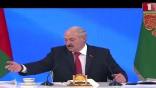 Александр Лукашенко рассказал, во что одевается и обувается
