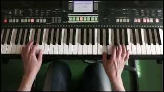 Игра на синтезаторе. Цыганочка