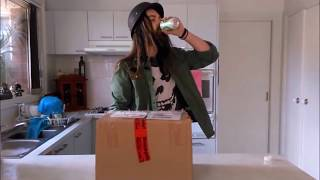 Captain Snag Unboxing a Gift from ALDI Australia