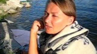 Пересолил! Ужин испорчен.(Отдых на Бухтарминском море. Женщины пьют пиво, мужчина готовит еду, как обычно., 2011-08-08T09:32:25.000Z)