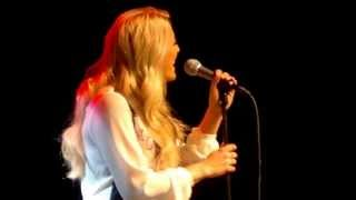 Germany's Cascada Performs Unplugged Eurovision Song Contest Entry Glorious in Malmo