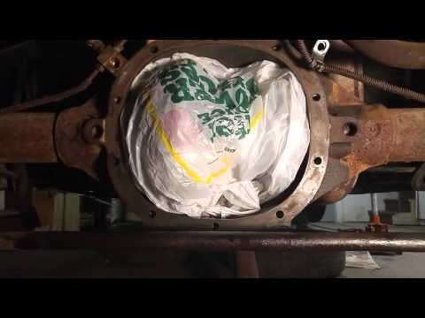 1975 Monza - Cleaning Diff Cover Mating Surface