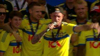 Här börjar Guidetti rappa - och får med sig hela publiken - TV4 Sport