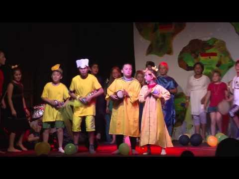 Schüler machen Theater: Tausend Farben hat die Welt