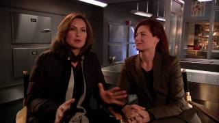 Mariska Hargitay & Debra Messing Interview