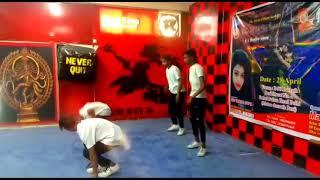 gurup dance ...hip hop crwe