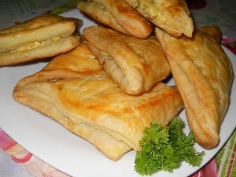 Хачапури из слоеного теста с сыром. Рецепт