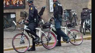 """ESL Lesson with Transcript - Learning English with Story & Pictures - """"Police Officers"""" - Fifty-one"""