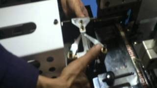 Mold unload instruction for UT900 Automatic Fabric Label cut & fold machine