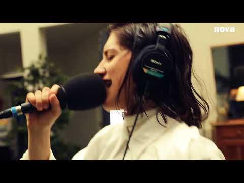 Aloïse Sauvage - Aphone   Live Plus Près De Toi
