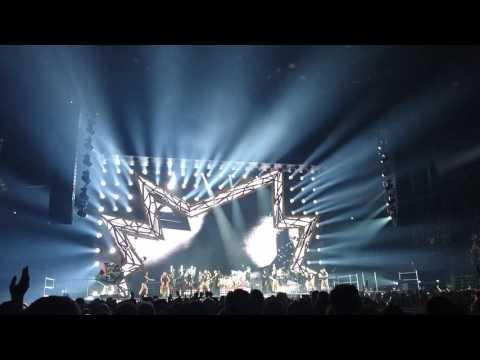 Robbie Williams   Rudebox   kids   paris 01 07 2017