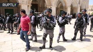 Clashes between Israeli police & Palestinian protesters as Jews allowed entry to Al-Aqsa Mosque