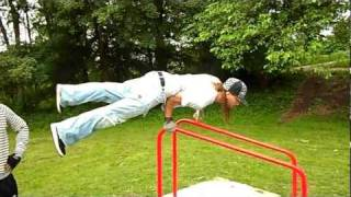 Freestyle on the dip bar