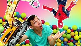 Ігри для дітей. Людина Павук шукає іграшки в басейні з кульками! Відео з машинками в Автомайстерні.