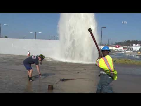 San Diego: Semi Hit a Fire Hydrant 10242018