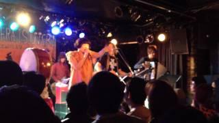 ソウル・フラワー・モノノケ・サミットと二階堂和美の共演。2012年2月11...