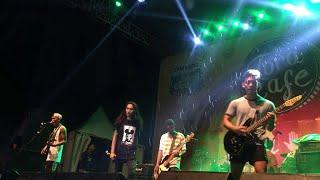 Sekumpulan Orang Gila Malaysian Invasion live JakCloth Summerfest 2017.mp3