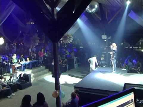 Andreea Neferu la Karaoke TV show in Aqua Parc