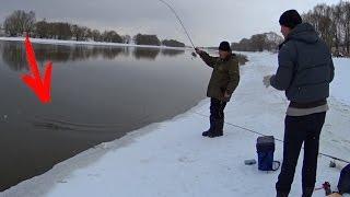 Игорь! Я таких даже не видел! Он огромный! Рыбалка зимой на спиннинг(Смотри другие видео на моем канале, подписывайся, друг! https://www.youtube.com/channel/UCSjs4M3gzFwWPEjxmdLCeAA?sub_confirmation=1 ..., 2017-01-29T16:14:16.000Z)