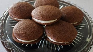Gingerbread Whoopie Pies -- Gingerbread Cookies Stuffed With Cream Cheese Filling