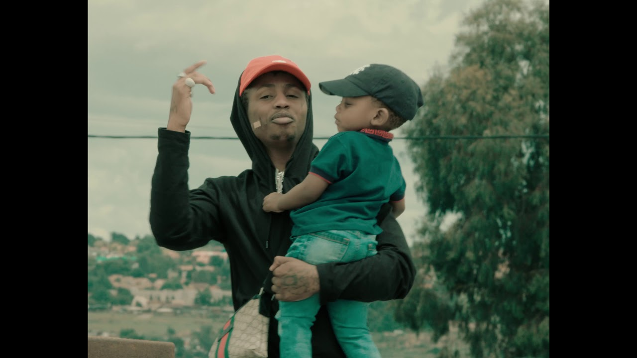 Download Emtee - Plug (Official Music Video)