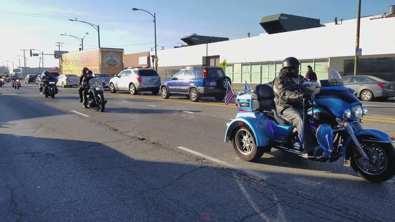 2017 Chicago Toys For Tots : Toys for tots western ave chicago youtube