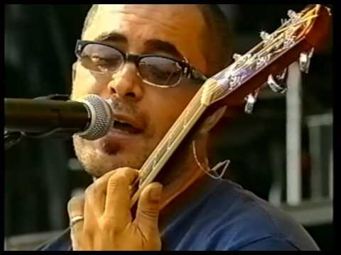 [HD] Staind - Outside & Its Been Awhile (2001 LiVE tv)