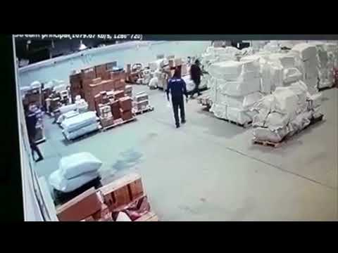 Polícia investiga roubo de celulares avaliada em mais de R$ 3 milhões