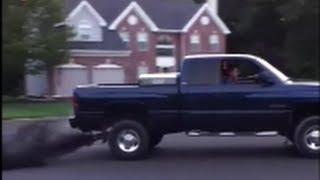 2001 Dodge Cummins rolling coal! Clutch Dump!