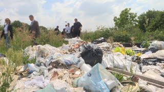 Rubbish piling up in France