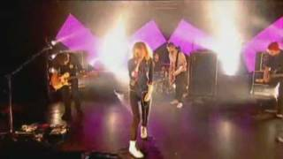 PARAMORE-live Channel T4[FULL PERFORMANCE]2009