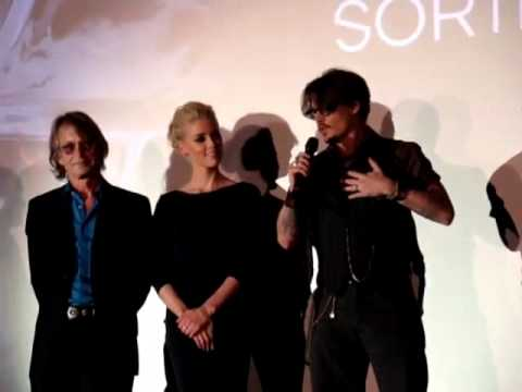 Johnny Depp at 'The Rum Diary' Premiere in Paris (He Speaks French)