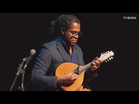 """Bandolinista Henrique Araújo toca """"O Choro do Sertão"""""""