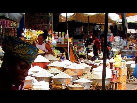 Shopping the African way: Agoè Market tour / Vos achats à l'Africaine: Marché d'Agoè Assiyeye