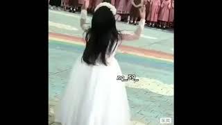 رقص بنوتات على شيلة ام العيون الحور😍 ماشاءالله