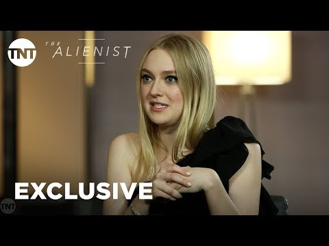 Daniel Brühl, Luke Evans, & Dakota ning Cast  EXCLUSIVE  The Alienist  TNT